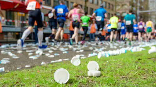 futás műanyagpohár