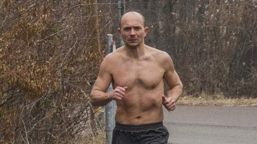 Szilágyi Zoltán téli futás félmeztelenül